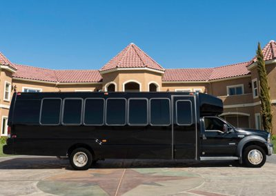 20-person Ford F550 Limo Bus